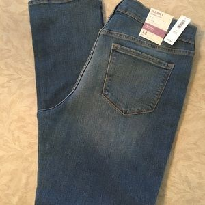 NWT Women's Old Navy Jeans - Size 14